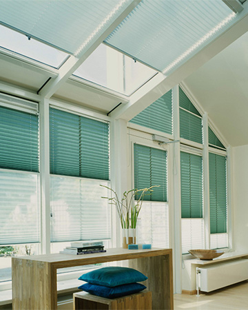Betere Schuine ramen? Kies voor deze raamdecoratie - mrwoon-raamdecoratie.be KF-94